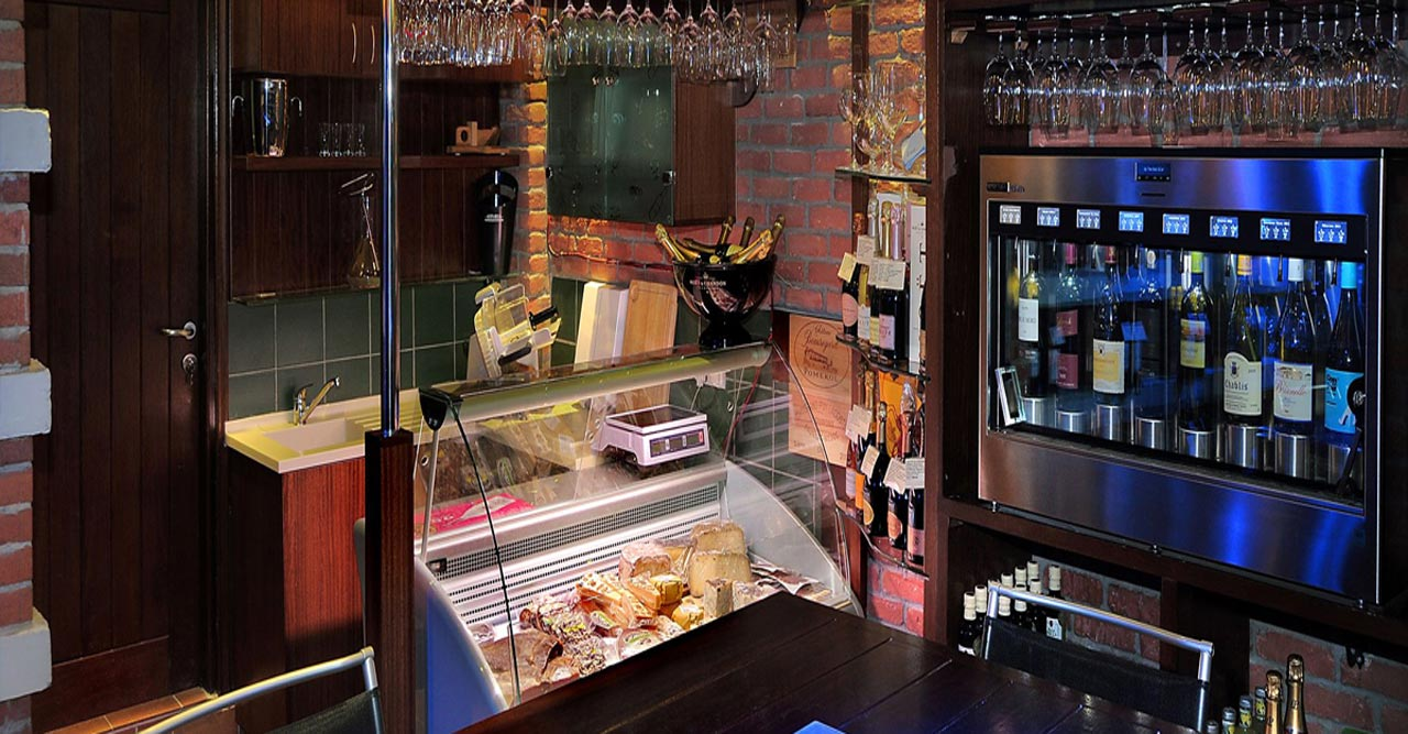 LA QUERCIA CANTINA & WINE BAR